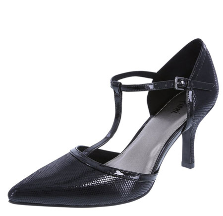 t-strap pointed shoes