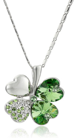 Irish four leaf clover pendant necklace