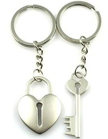 key and heart necklace set